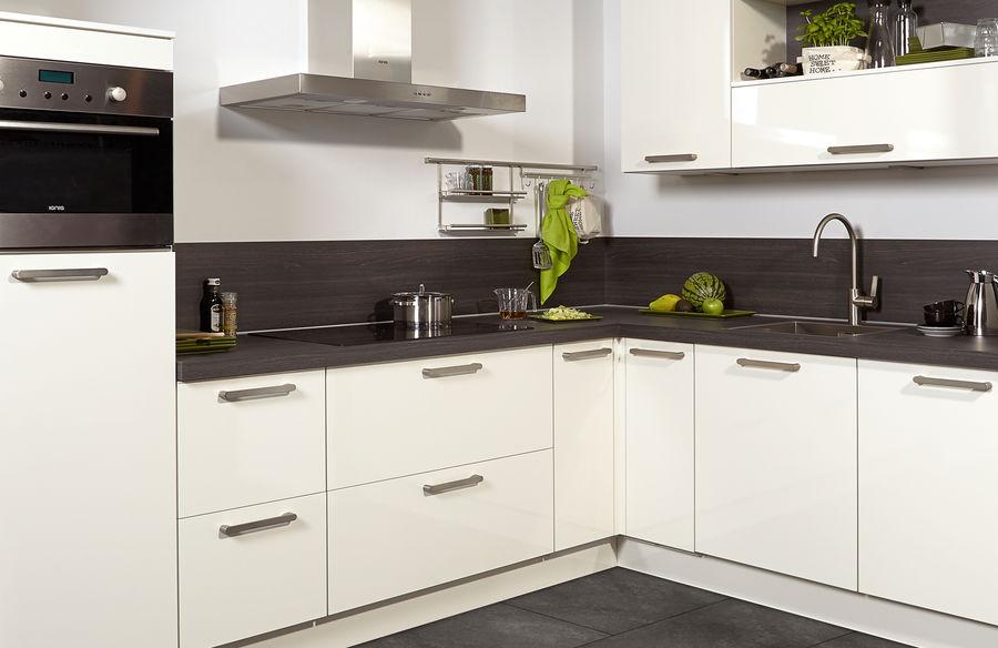 Moderne Keuken Donker : Keuken ideeën met kookeiland