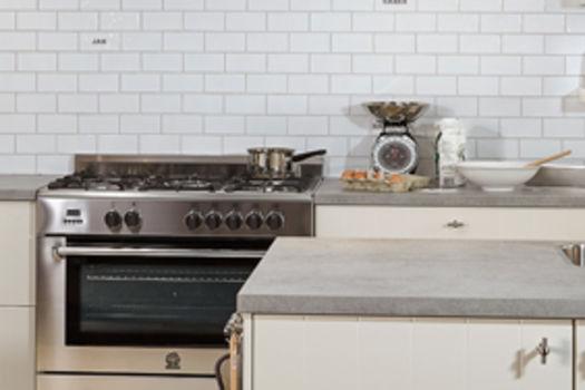 Keuken Met Beton : Een betonnen keuken stoer hip en robuust keukenconcurrent