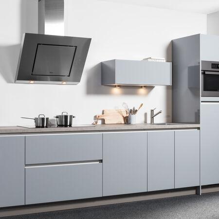 grijsblauwe hoogglans keuken