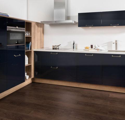 Blauw zwarte keuken